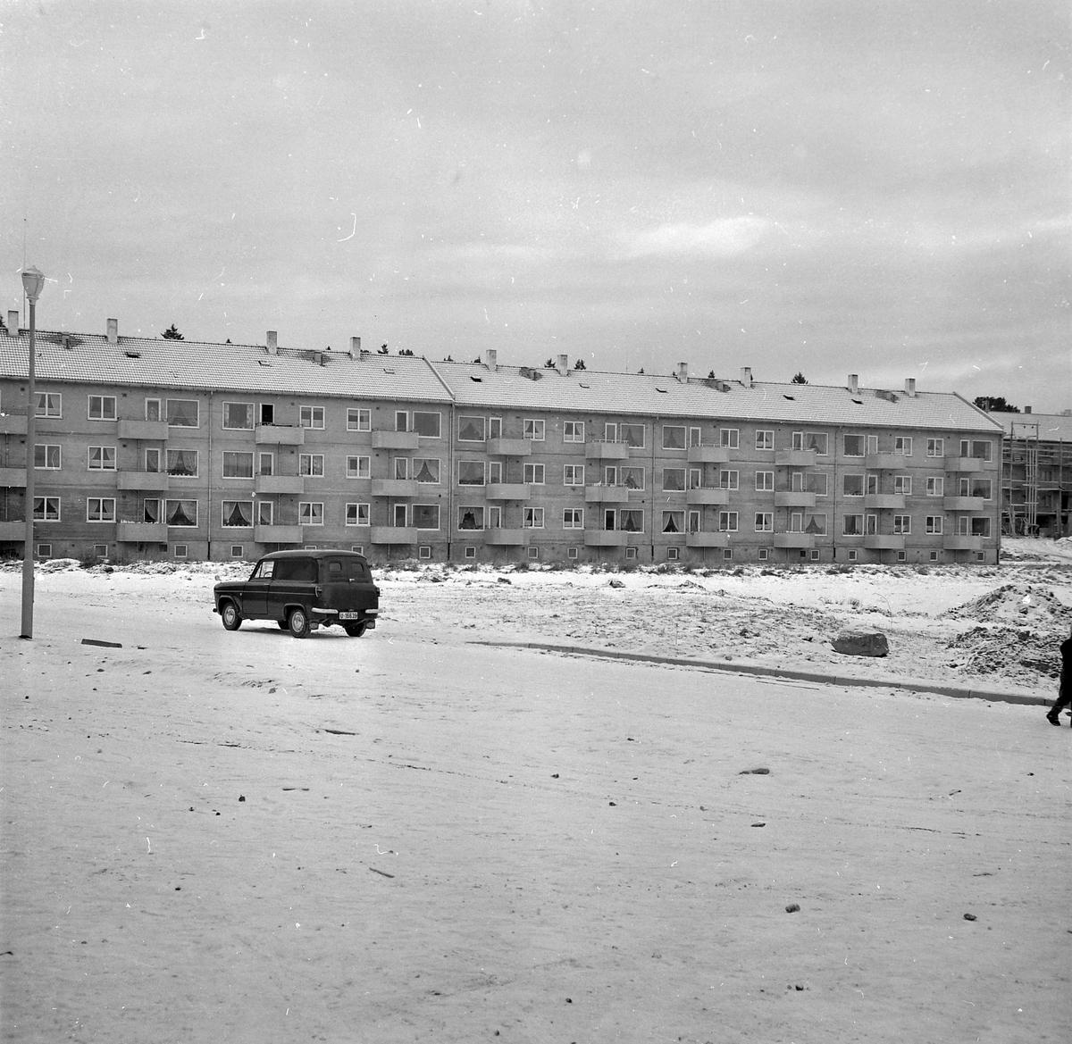 Blokkbebyggelse på Nyborg med Sverresborg Trøndelag Folkemuseum og Wullumsgården i bakgrunnen