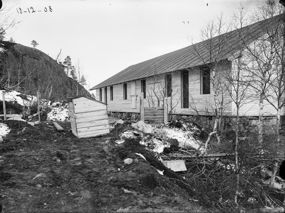 Brakke under oppføring i Brakkan, Løkken Verk.
