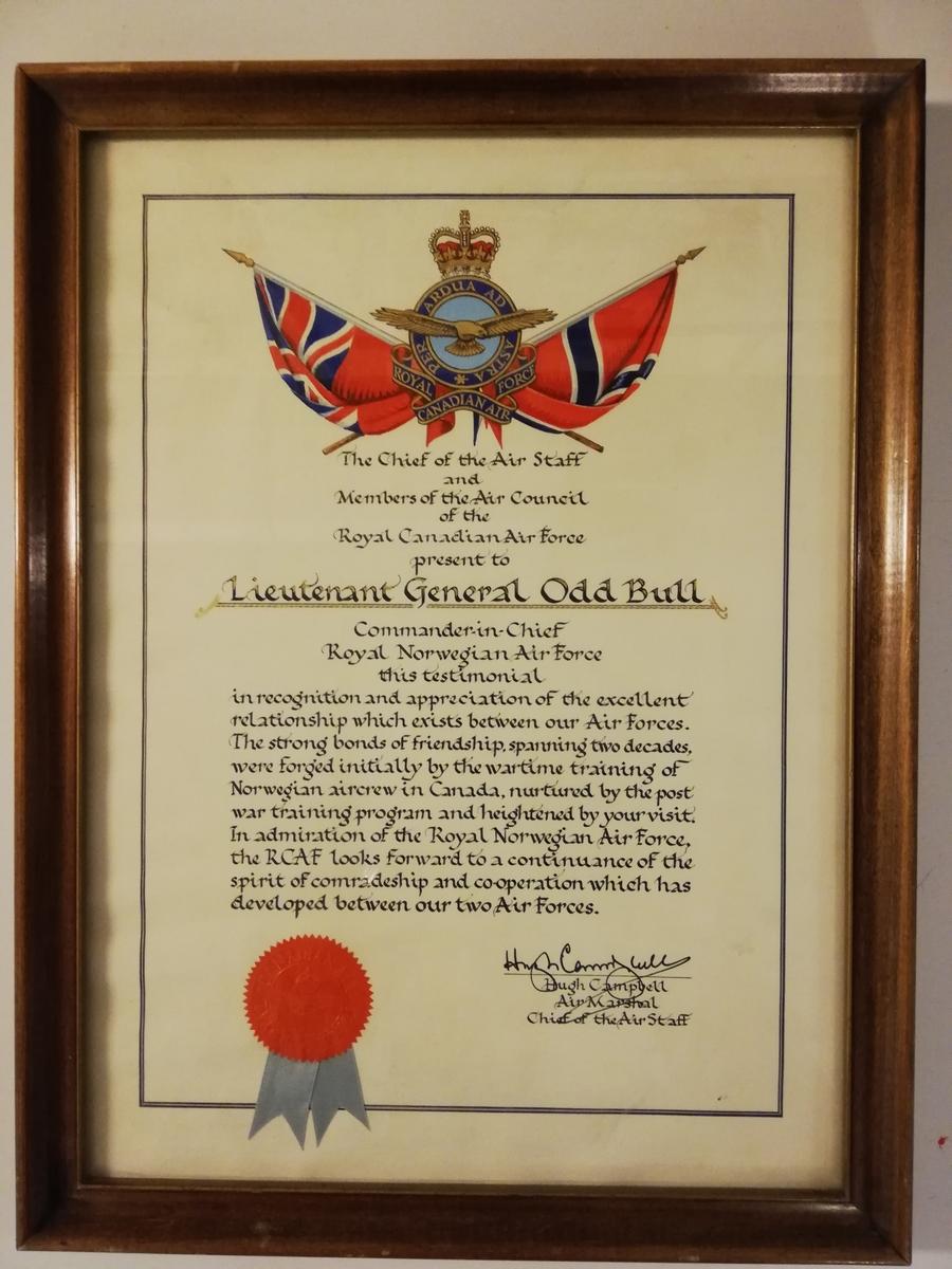 Takkebrev gitt av det Canadiske Luftforsvar til Generalløytnant Odd Bull.