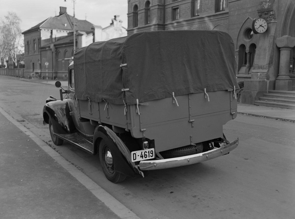 """Chevrolet, lastebil 1946-1947, D-4619, """"Telegrafverket"""" Foto for Oustad Mek. Verksted."""