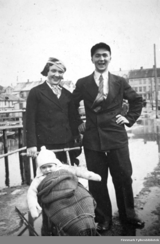 Vardø 1933. Familiealbum tilhørende familien Klemetsen. Utlånt av Trygve Klemetsen. Periode: 1930-1960.