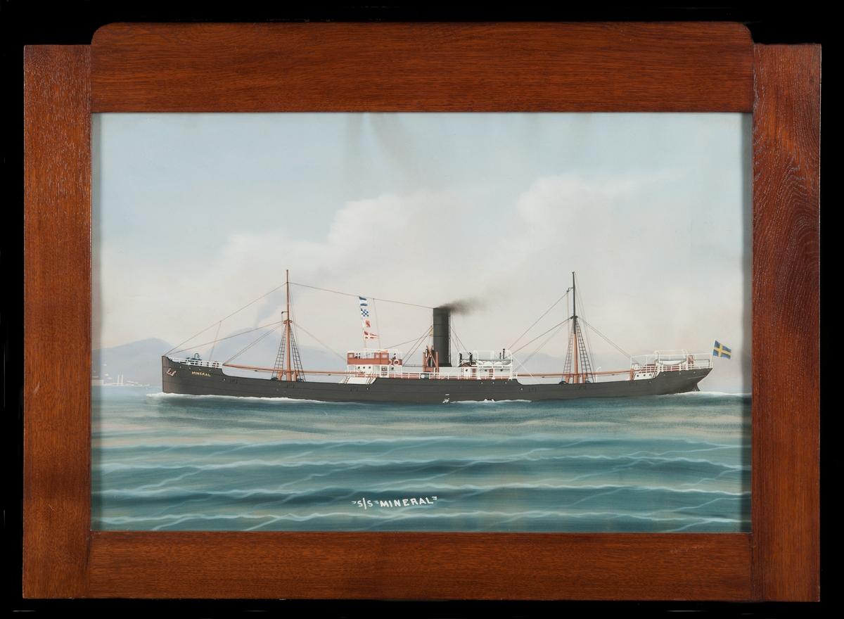 Lastångfartyget MINERAL med Vesuvius i bakgrunden. Ovanför styrhytten signalflaggor: JNHR, i aktern svensk flagga.
