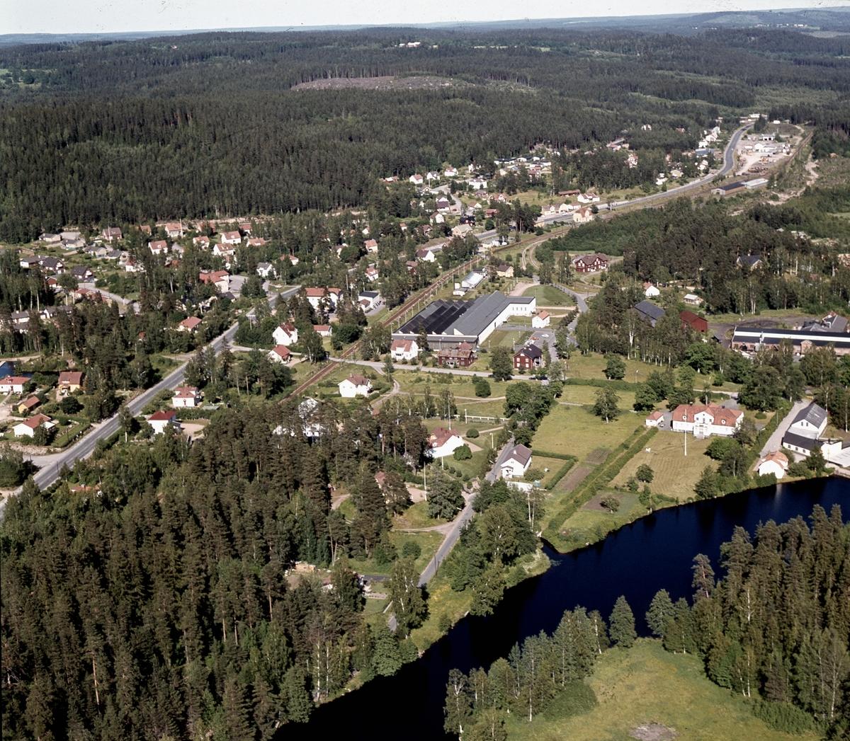 Flygfoto över Bruzaholm i Eksjö kommun. Jönköpings län 5/1976