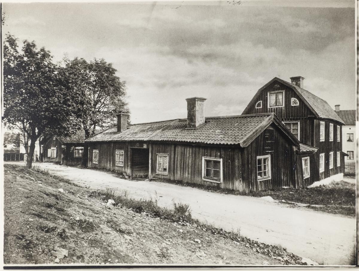 Janpersastan uppkallat efter lantbrukare Jan Pers i Rinkaby. Gatan var också rackarns gata där stadens skarprättare bodde på 1700-talet. Huset revs 1918.