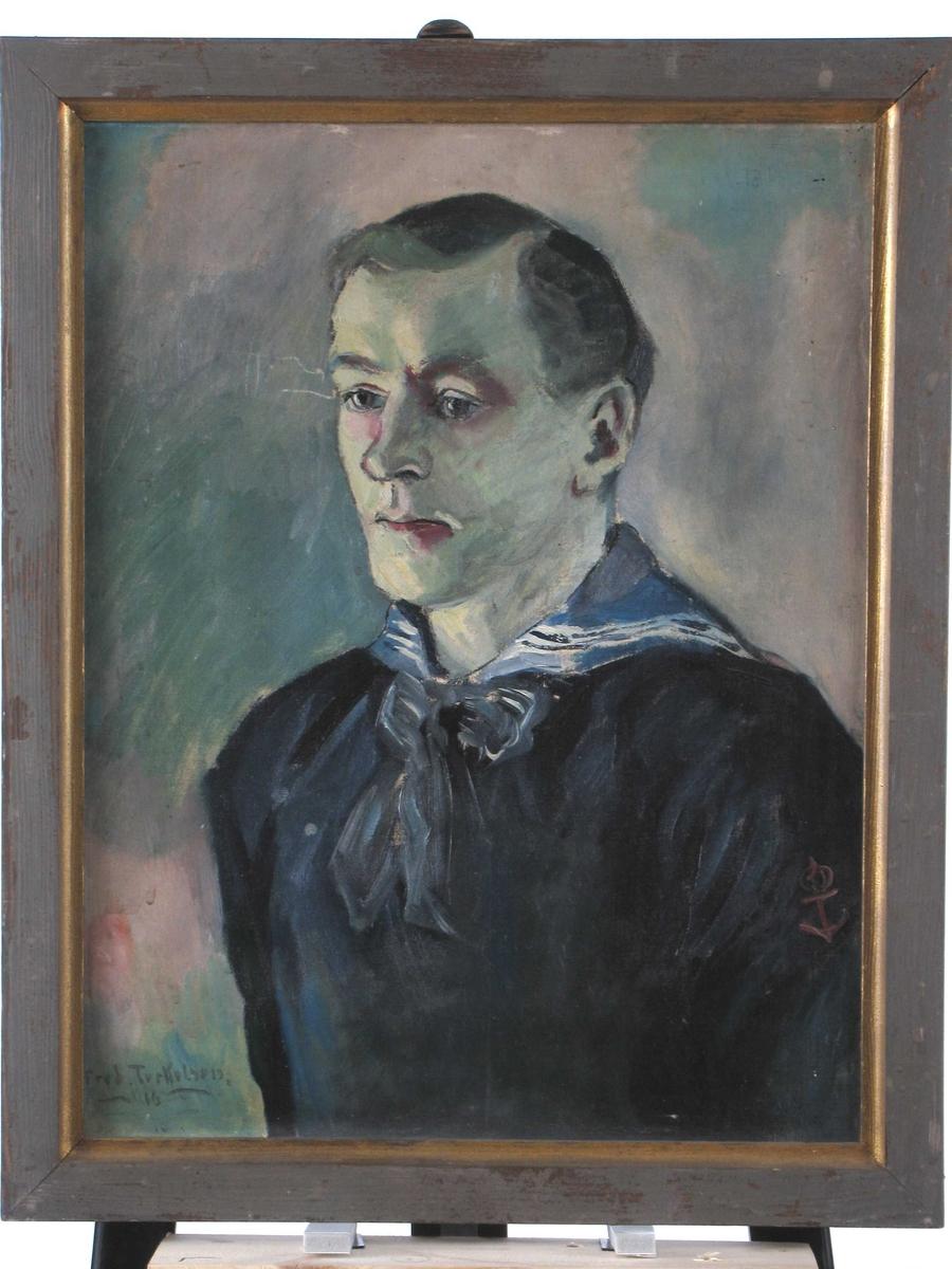 Brystbilde av ung mann,  halv profil v., grønnlig  og gul karnasjon,   marineuniform. Bakgr. grønn og  grå.