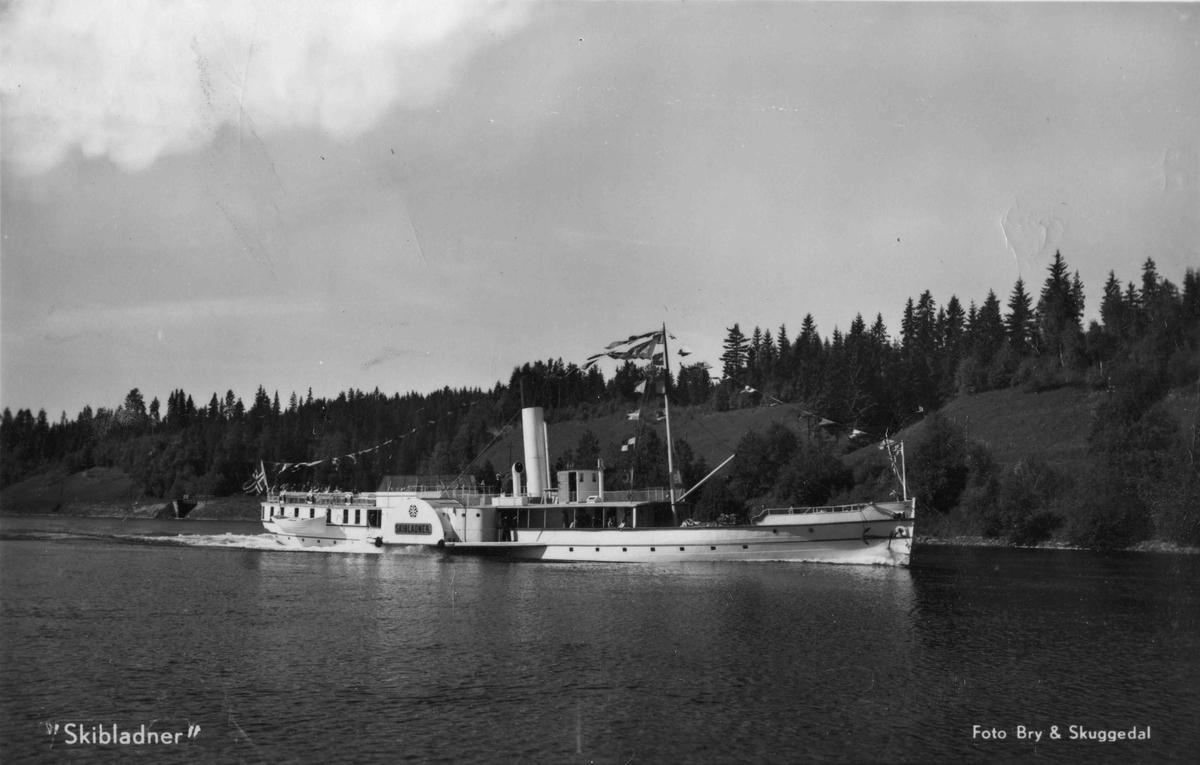 Skibladner. Etter utseendet er bildet sannsynligvis tatt i perioden 1938 til 1967.