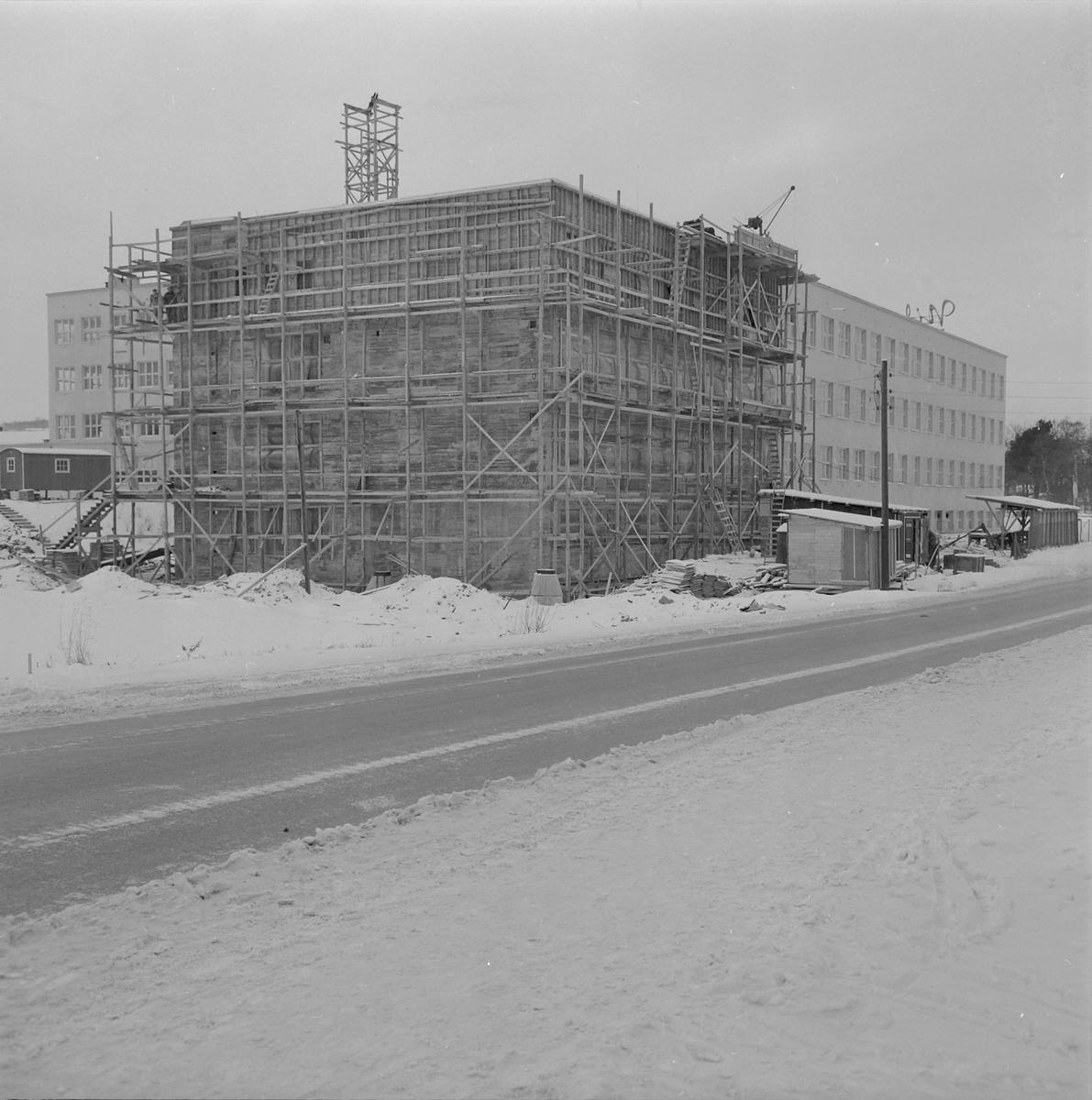 Byggearbeid ved Nidar Chokoladefabriks nye bygg i Bromstadvegen