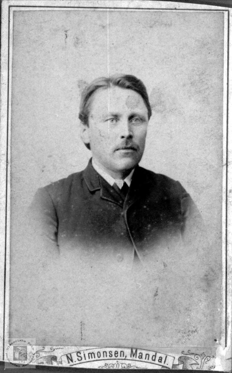 Portrett av Thorvald Høyland, Øyslebø.