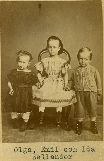 Barnen Olga, Ida, och Emil Zellander, Uddevalla