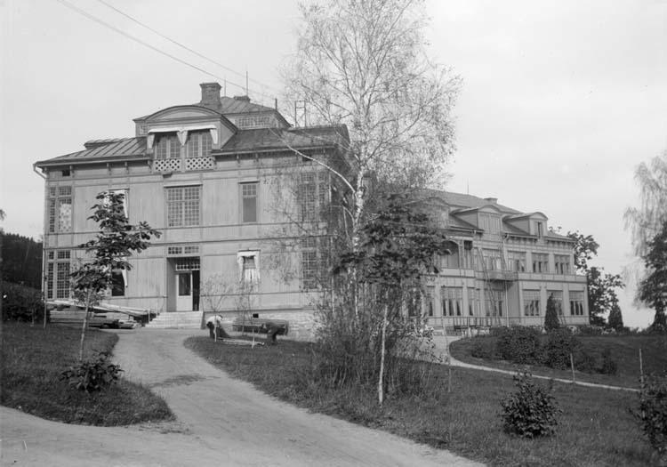 """Enligt text som medföljde bilden: """"Mösseberg. Sanatoriet 25/9 07."""""""