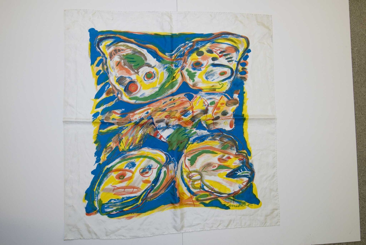 Hvitt tørkle med polykromt abstrakt mønster (tegninger av ansikter)