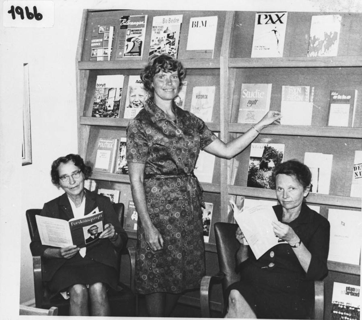 Åpningen av Ås bibliotek på Åsgård, august 1966