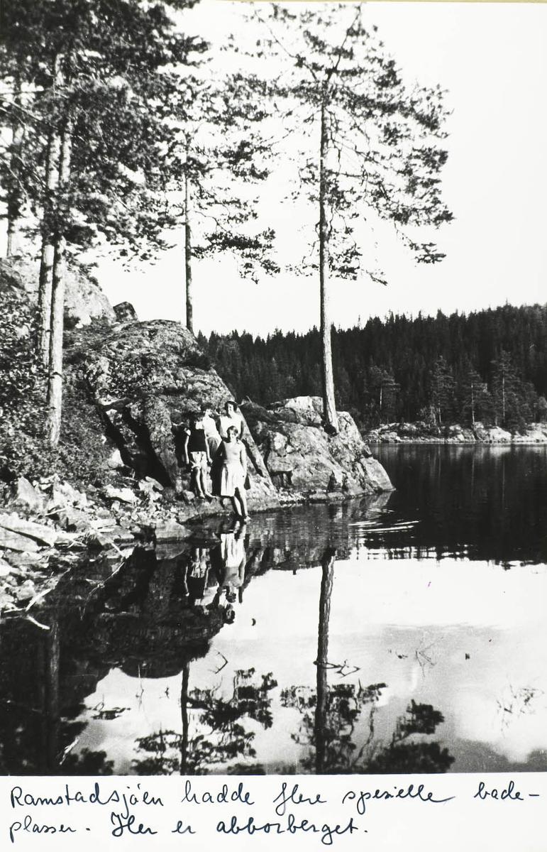 Fire personer 3 jenterr og en gutt , steinrabb, vann.