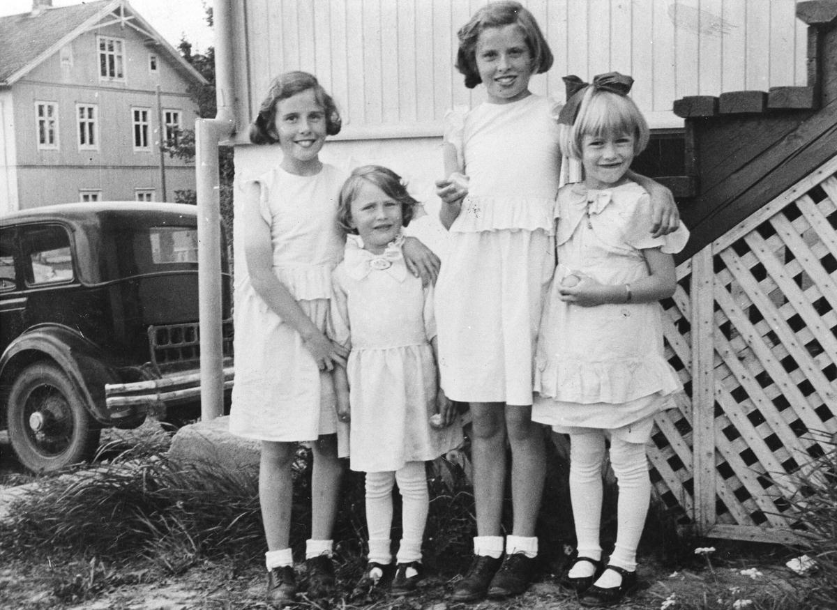 4 jenter på Årnes.