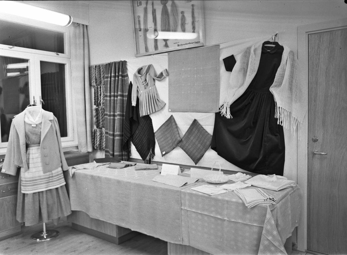 Utstilling av håndarbeid.
