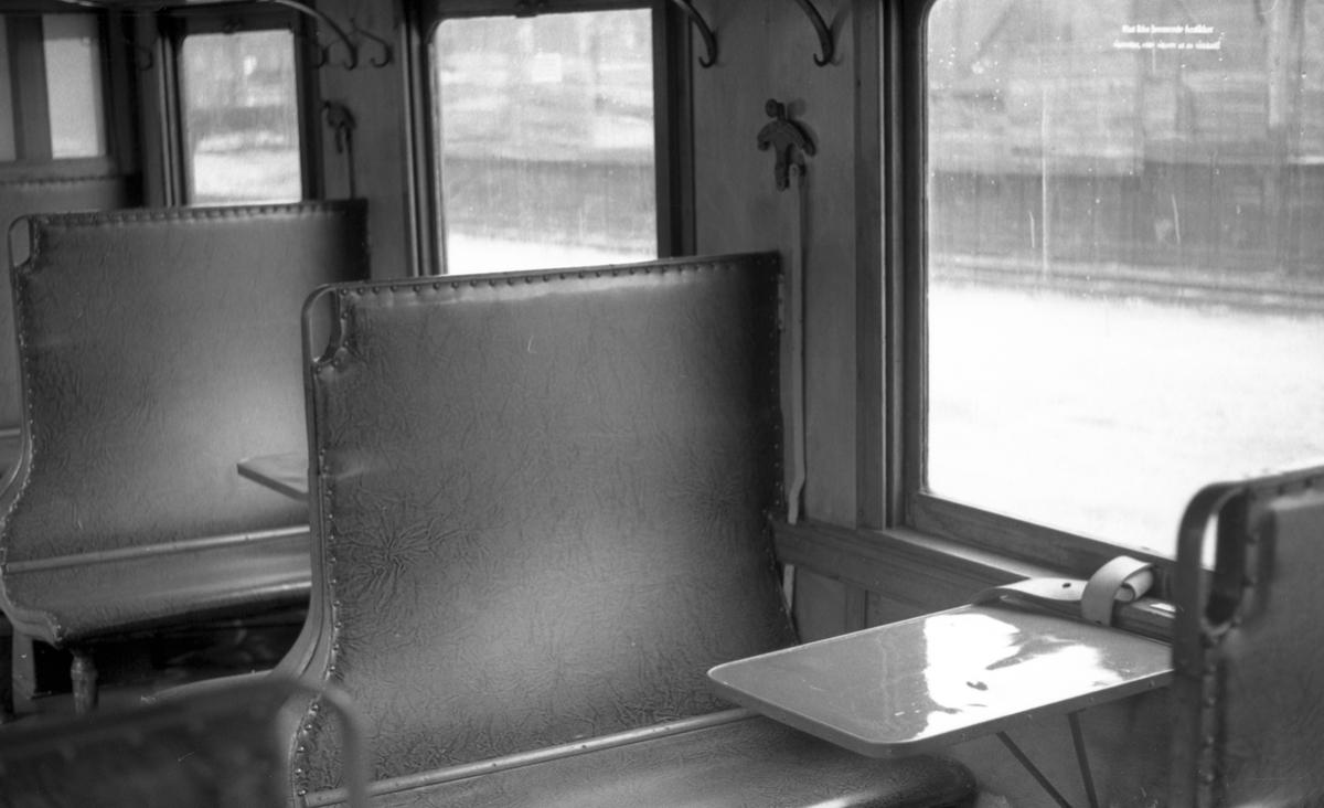 Interiør i Setesdalsbanens personvogn Bo 333