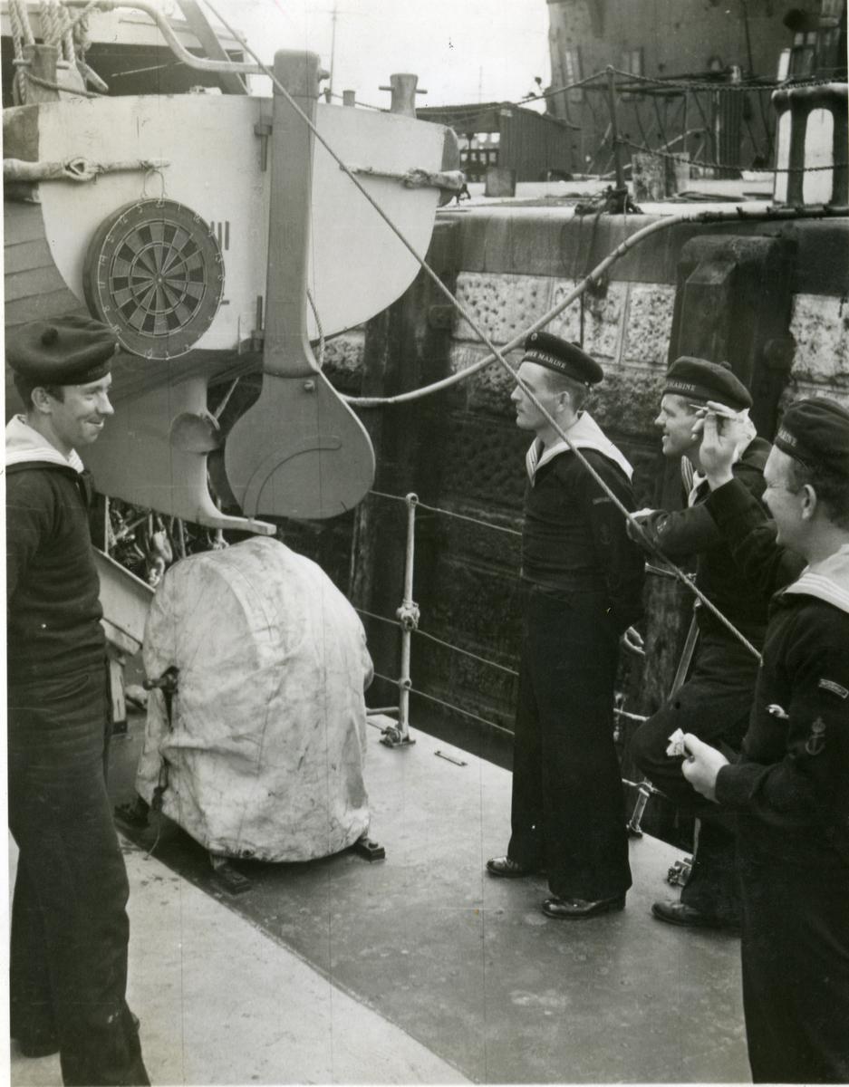 "Album Glaisdale H.Nor.M.S. ""Glaisdale"". Fotograf: Keystone press. Fritid."