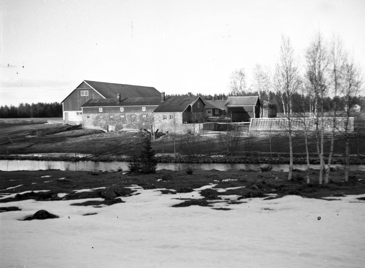Midtskogen gård